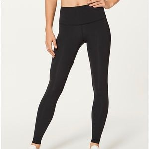 Classic Black Lululemon wonder under leggings